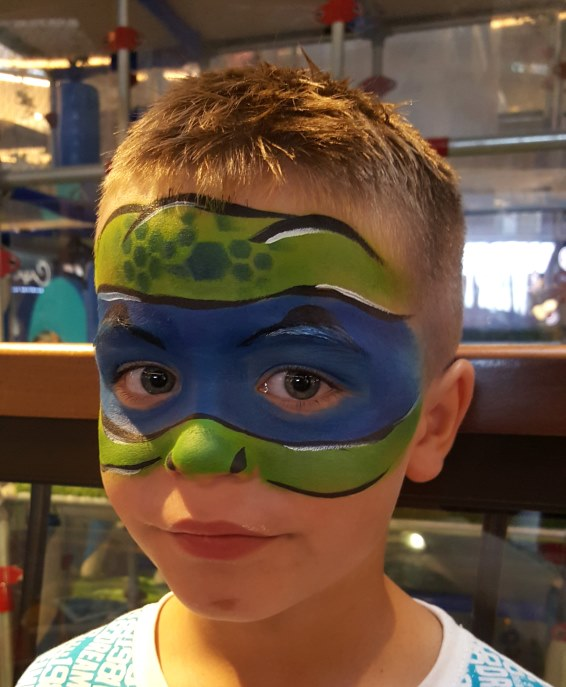 Boys can choose which colour mask they want to match their favorite Ninja Turtle character. www.enchantedbychrista.co.za